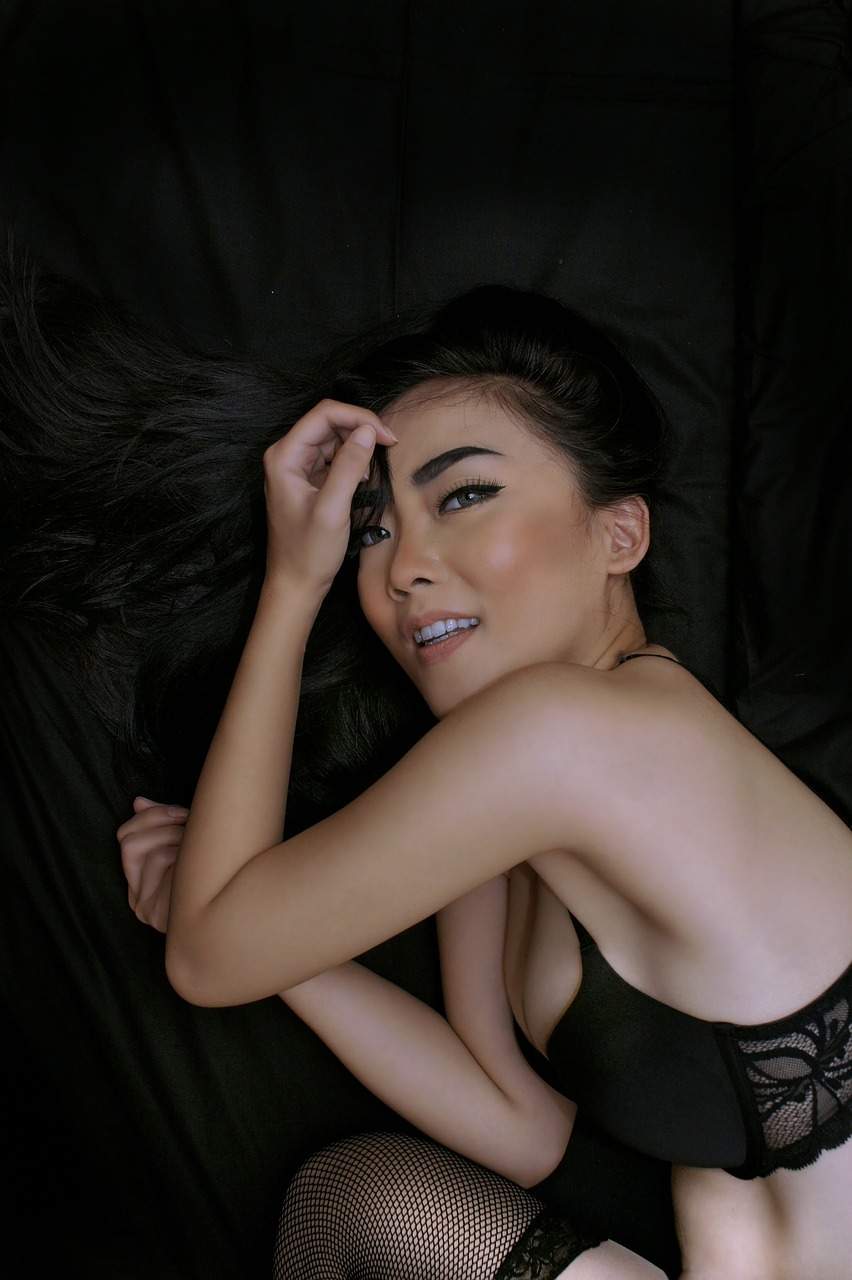 30代の大きいサイズの胸におすすめのナイトブラは卒乳後のバストケアに垂れない為にキツさを感じない「Viageナイトブラ」デコルテ、下厚パッド、ホールドが特徴