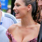 「離れ乳 改善」原因と効果的な対処法とおすすめのナイトブラ